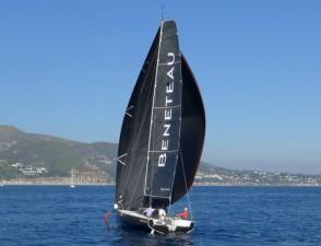 Mar Abierto - El espinaquer a tope de palo permite sacar el mejor partido de las