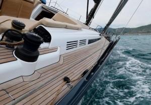 Mar Abierto - La circulación proa/popa es cómoda por barlovento y por sotavento.