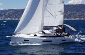 Mar Abierto - El barco aguanta todo su trapo arriba (mayor + foque 105%) hasta u