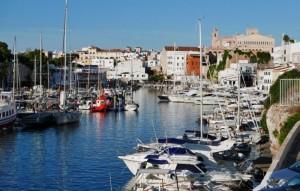 El puerto de Ciutadella desde la terraza de su club náutico